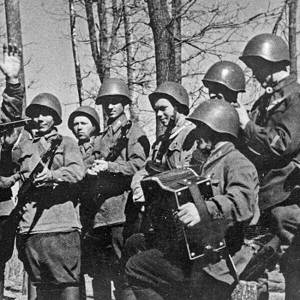 Песни военных лет в усадьбе Федора Шаляпина