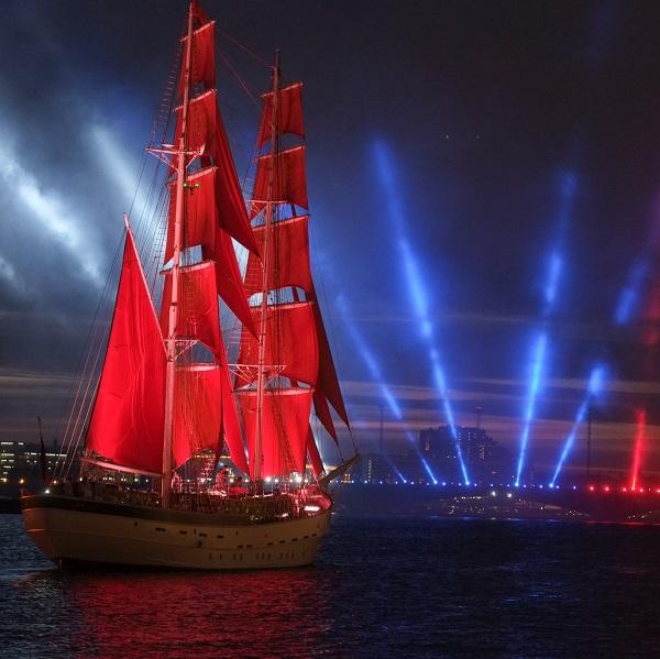 Шоу на Алые паруса в Санкт-Петербурге 2022