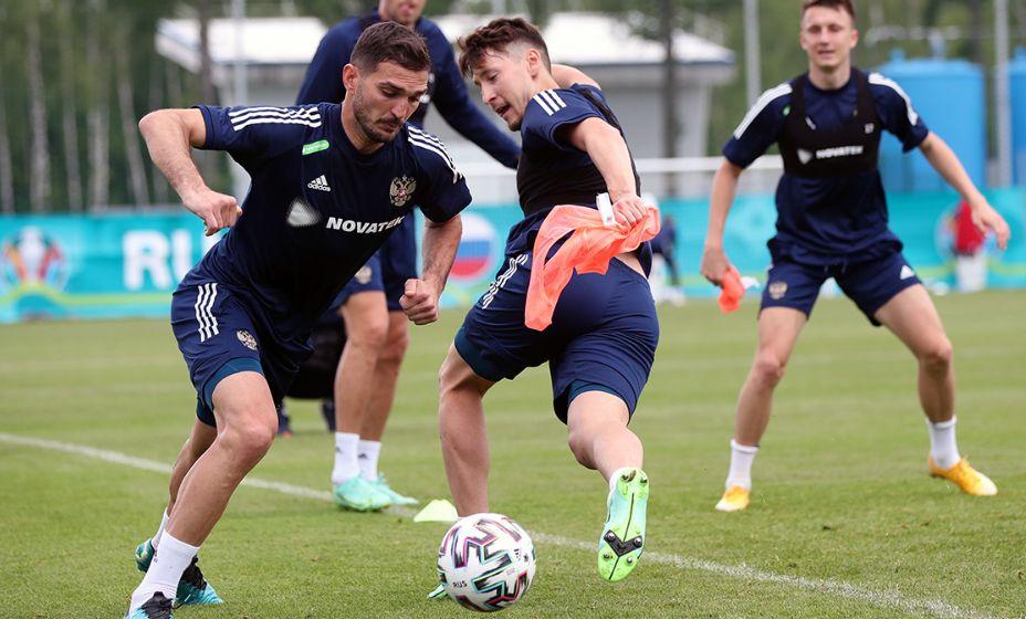 Алексей Миранчук готовится к матчу с Финляндией на Евро-2020. Фото: РФС
