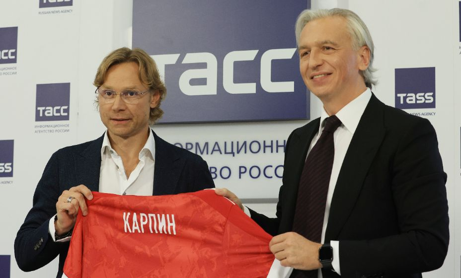 Александр Дюков доволен: у сборной России появился новый тренер. Фото: Reuters