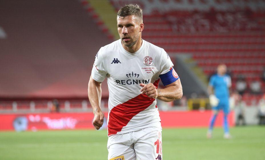 Лукас Подольски продолжит футбольную карьеру в Польше. Фото: Global Look Press