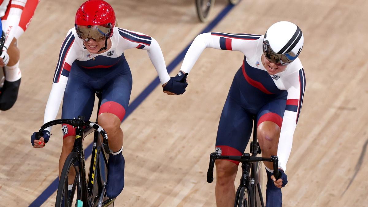 Россиянки Хатунцева и Новолодская выиграли бронзу Олимпиады в велогонке