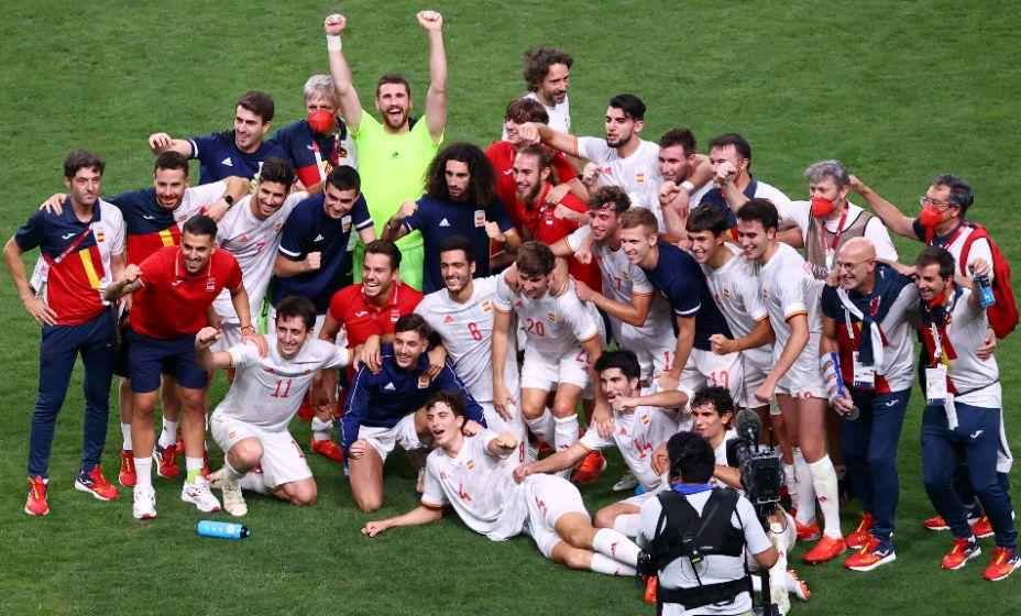 Сборная Испании по футболу стала финалистом Олимпиады. Фото: Reuters